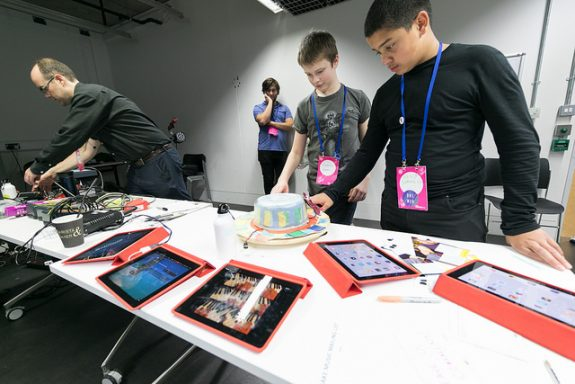 Participants of DMLab getting hands on 'Lazy Susan' & ipads at Mozfest 2016